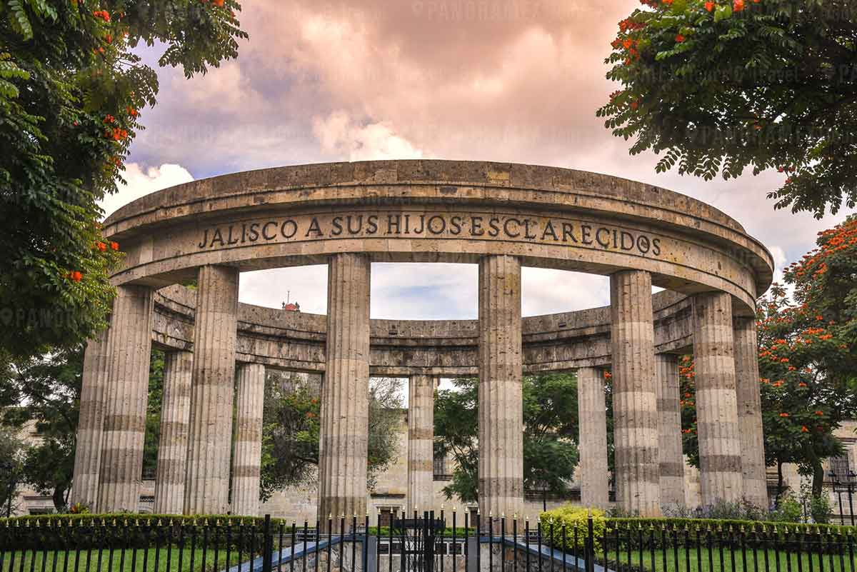 Tour Guadalajara rotonda en Centro historico